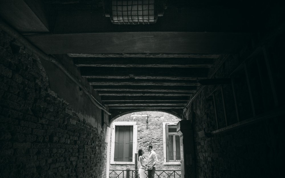 10-wedding-photographer-italy-venice-engagement
