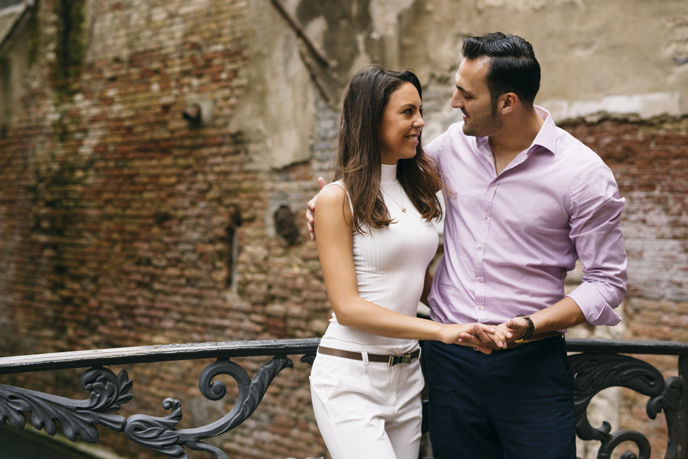 24-wedding-photographer-italy-venice-engagement
