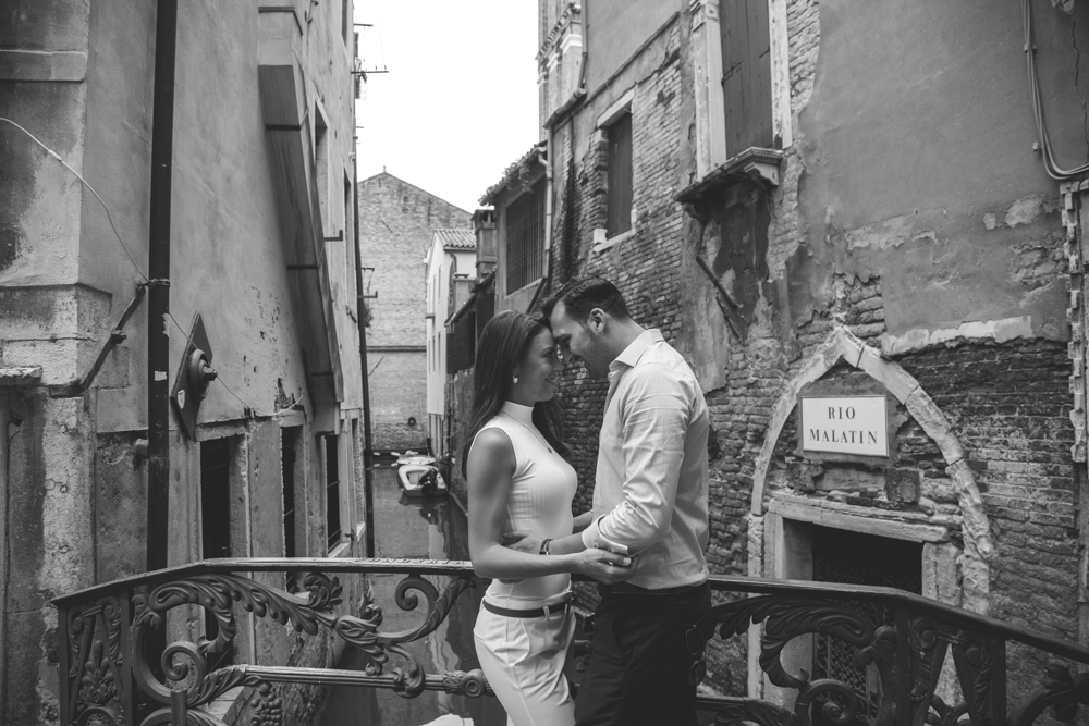 28-wedding-photographer-italy-venice-engagement
