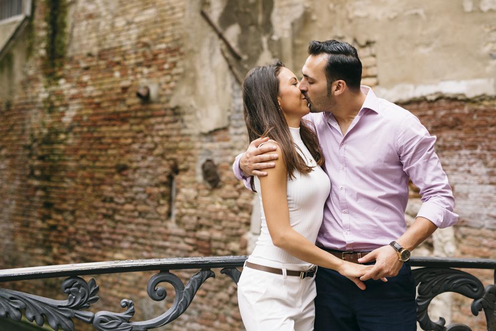 25-wedding-photographer-italy-venice-engagement